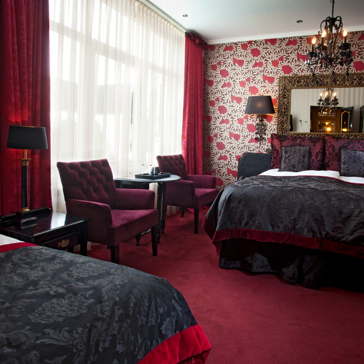 Cosy Double Room with Extra Bed - The Toren Amsterdam - By the Pavilions