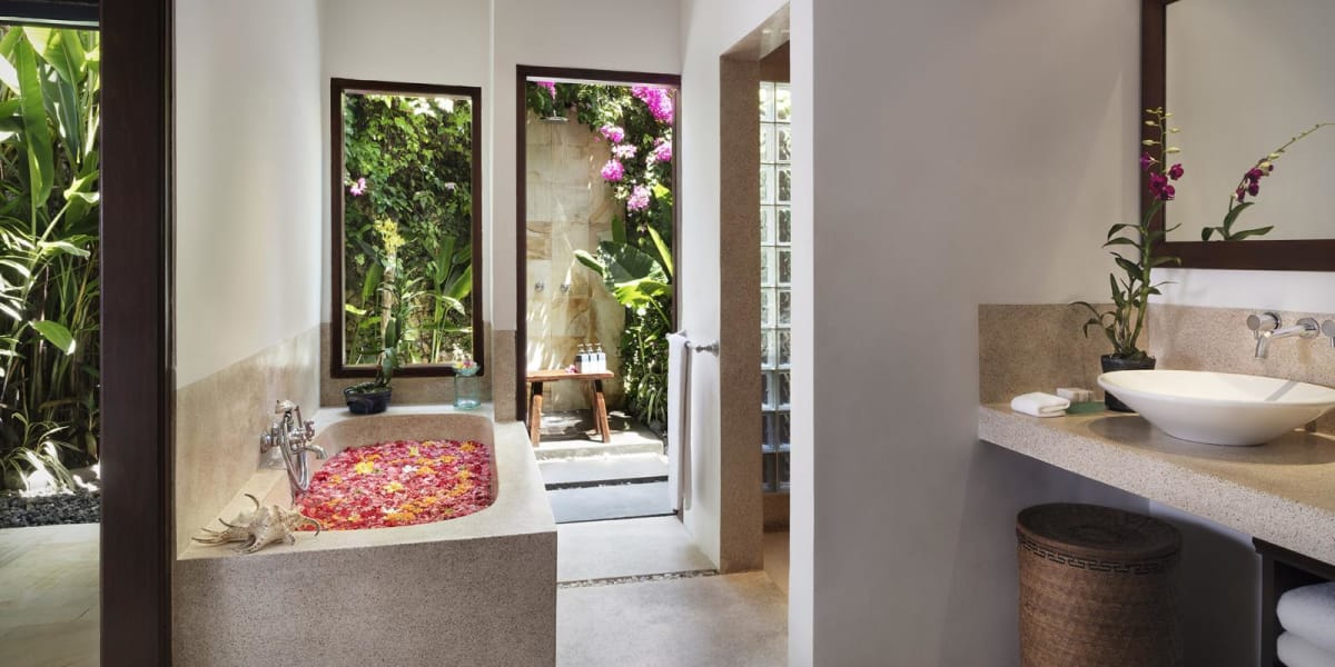 Full en-suite bathroom - The Pavilions Bali
