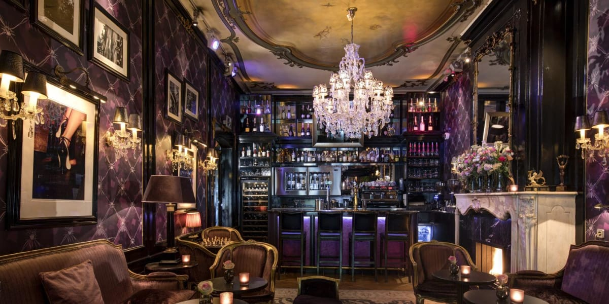 Bar lounge  - The Toren Amsterdam - By the Pavilions