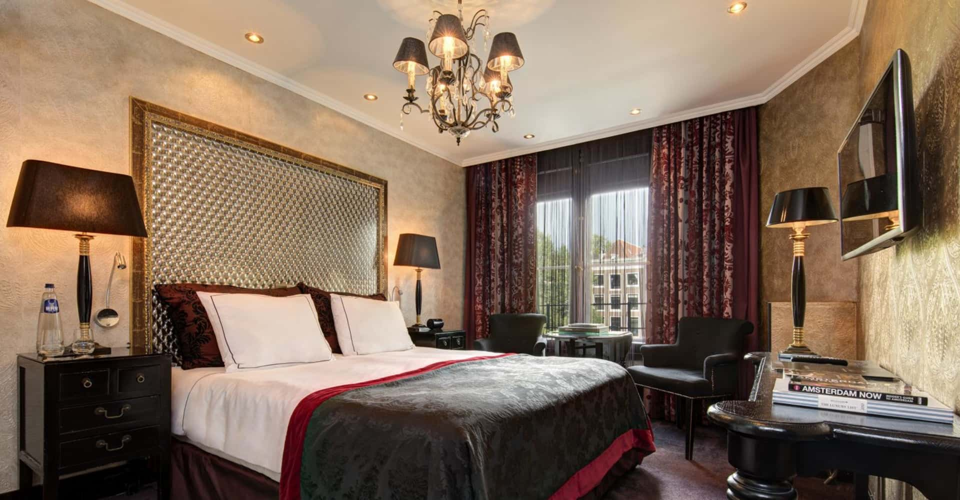 Cosy double rooms with canal view - The Toren Amsterdam - By the Pavilions