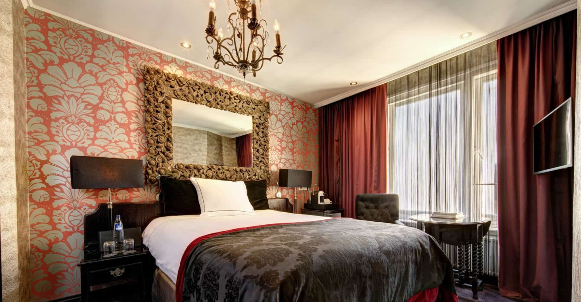 Single room with bath - The Toren Amsterdam - By the Pavilions
