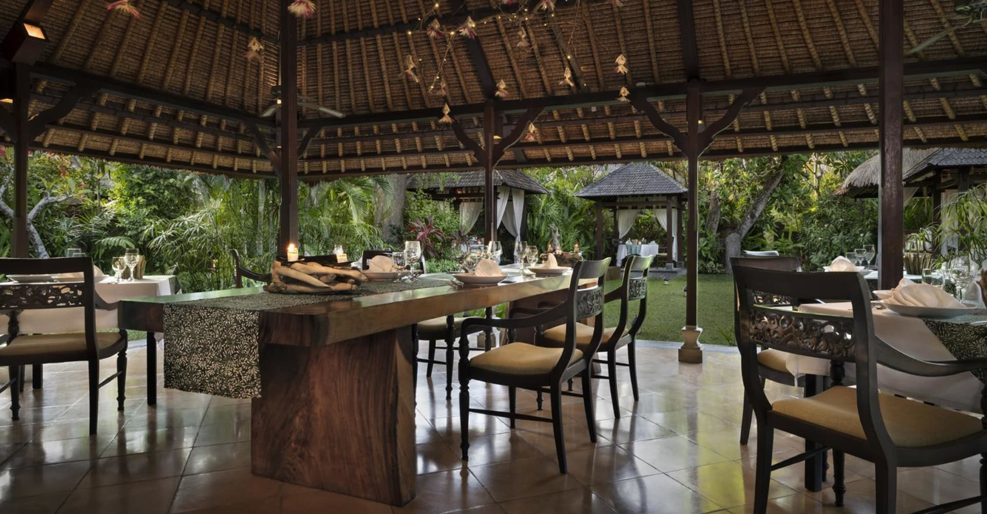 The Jahe Restaurant - The Pavilions Bali