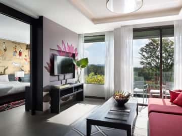 Hill View Suite - The Pavilions Phuket