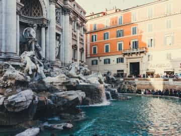 La Fontana di Trevi come non l'avete mai vista - The First Roma Arte