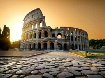 Discover Italy in Style - The First Roma Arte