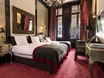 Special deluxe triple room with canal view - The Toren Amsterdam - By the Pavilions