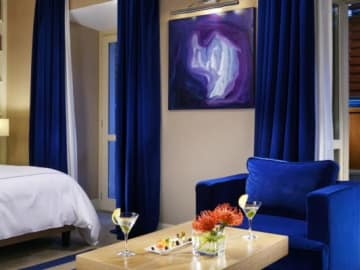 Art in your Suite - THE FIRST ROMA