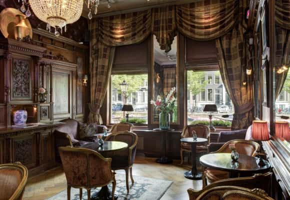 Relax en geniet in onze bar lounge  - The Toren Amsterdam - By the Pavilions