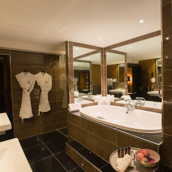Bathroom Royal Suite