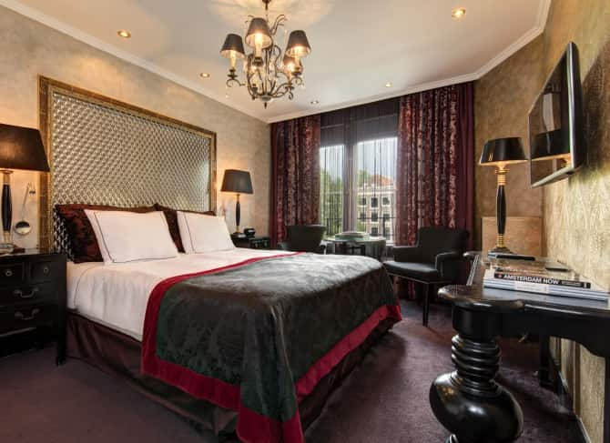 Cosy double rooms with canal view