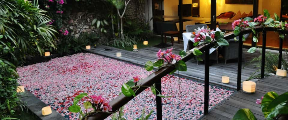 Signature Dining Experiences - The Pavilions Bali